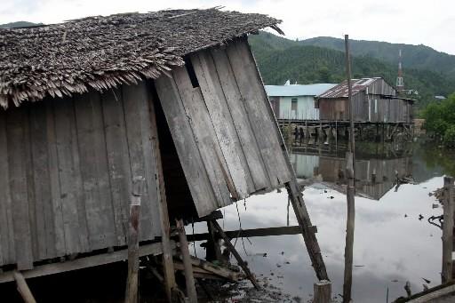 Le séisme a causé des dommages à plusieurs... (Photo: AFP)