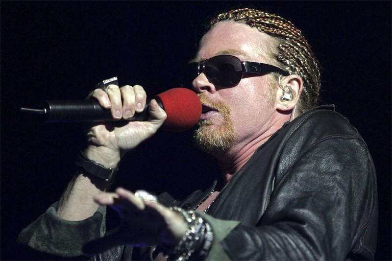 Axl Rose, chanteur de Guns 'N Roses... (Reuters)