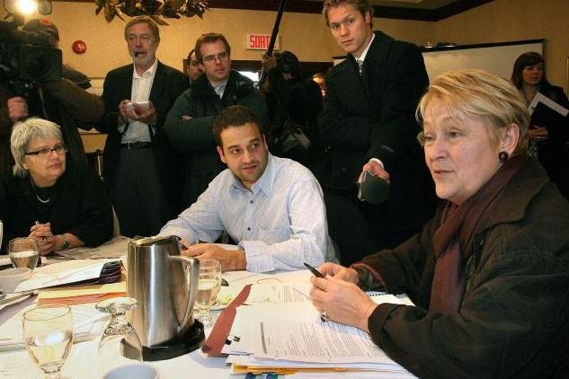 Pauline Marois prépare le débat.... (Le Soleil, Jocelyn Bernier)