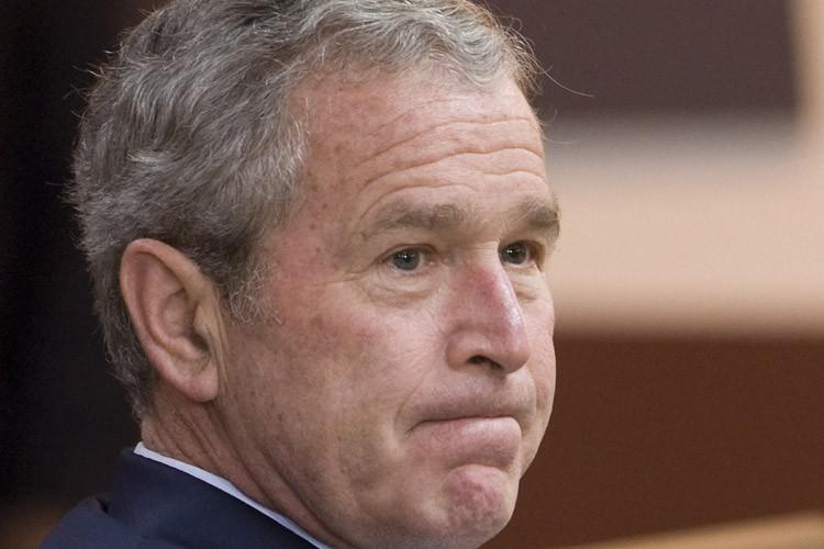 Le président américain George W. Bush a accordé lundi sa... (Photo: Bloomberg)