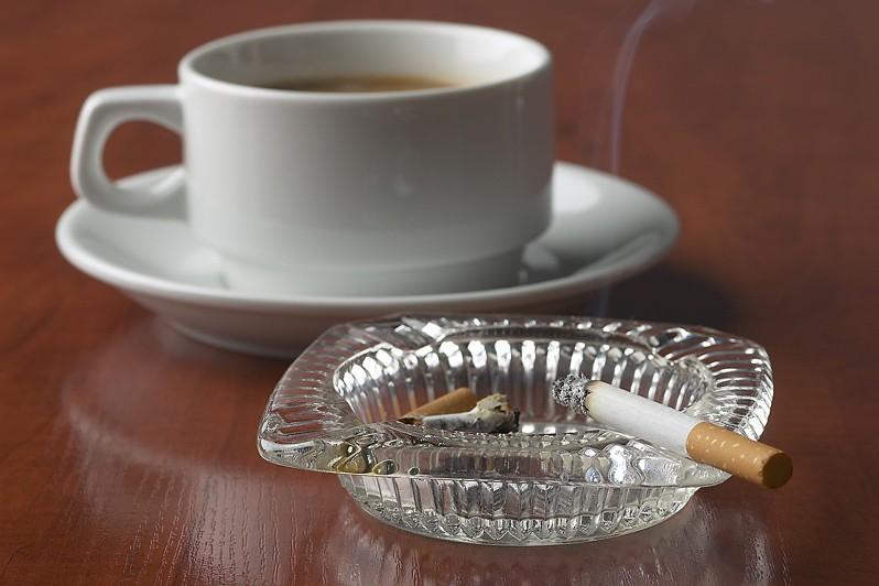 Les enfants de fumeurs sont plus susceptibles d'aller à l'école sans avoir...