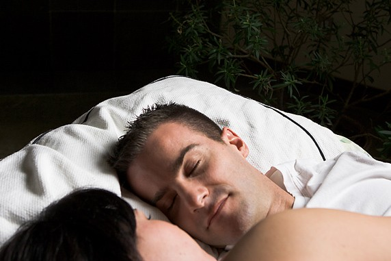 Les personnes qui souffrent d'apnées du sommeil, des périodes où la respiration...