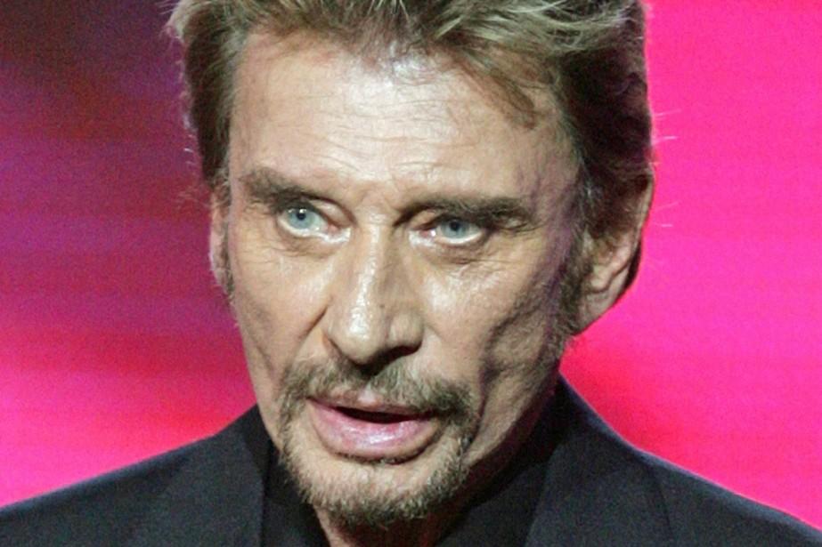 Le chanteur Johnny Hallyday aurait été opéré d'un «petit cancer au côlon» dont...