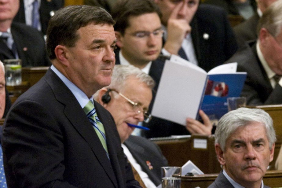 Le ministre des Finances, Jim Flaherty.... (Photo La Presse Canadienne)