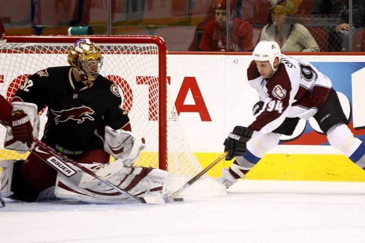 Ryan Smyth a été incapable de déjouer Mikael... (Photo: AP)