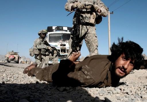 Un Afghan est arrêté dans la région de... (Photo: Reuters)
