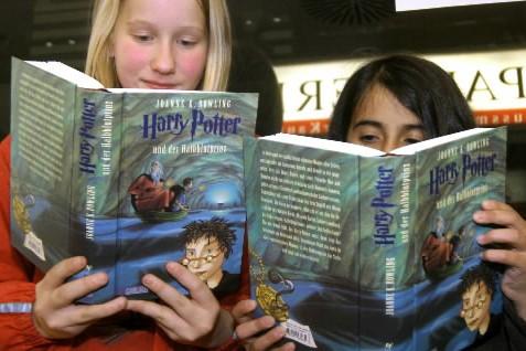 À minuit une minute hier, j'ai reçu mon exemplaire de Harry Potter... (Photo AFP)