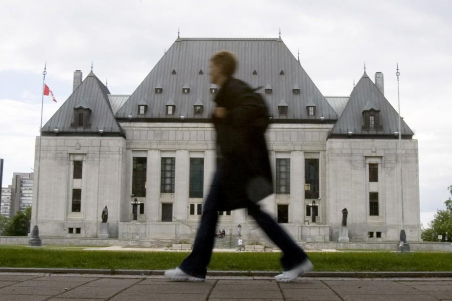 La Loi sur les langues officielles prévoit non... (Photo La Presse Canadienne)