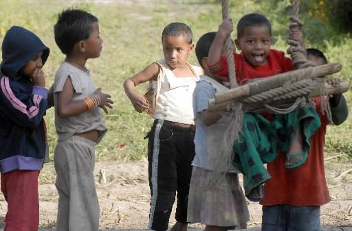 Des enfants népalais... (Photo: AFP)