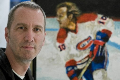 Le peintre Bernard Racicot rend hommage au Canadien... (Photo: Rémi Lemée, La Presse)