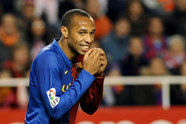 Le leader Barcelone, qui a écrasé Valence 4-0 grâce à un triplé... (Photo: AFP)