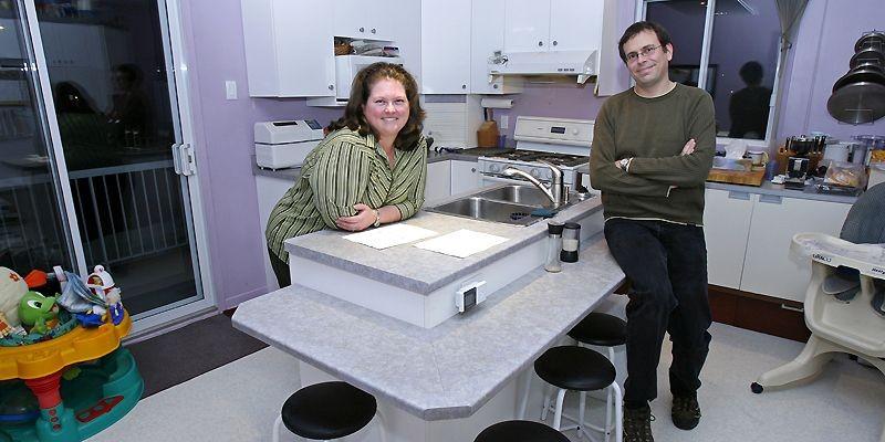 Brigitte Hubert et Frédéric Bouchard cuisinent beaucoup ensemble.... (Photo Robert Mailloux, La Presse)