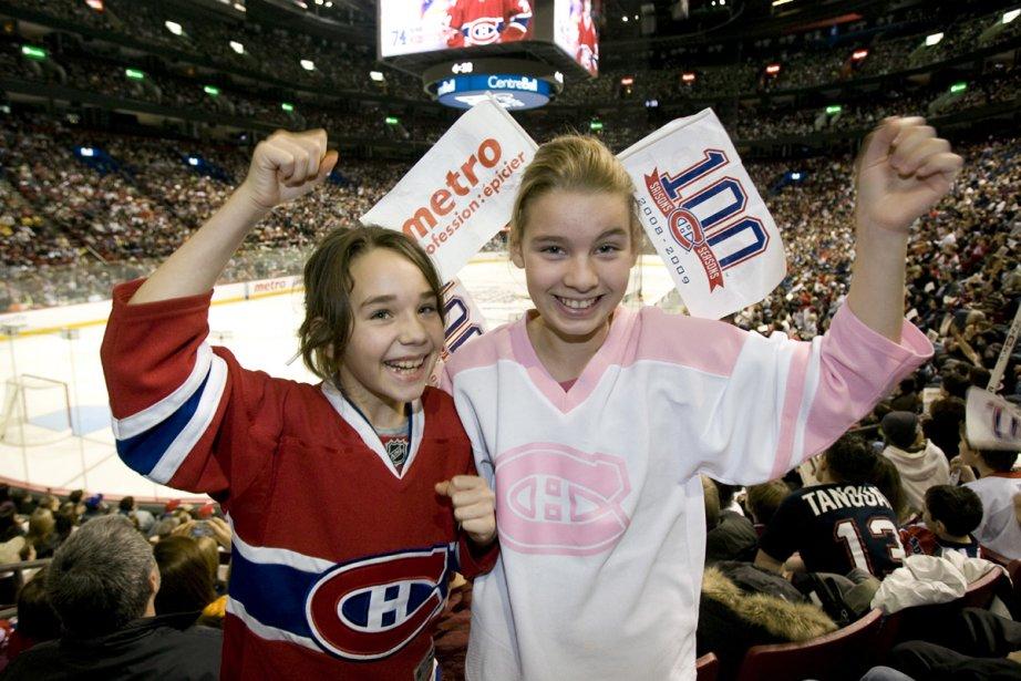 Kelly et Catherine étaient à l'entraînement du Canadien... (Photo: André Tremblay, La Presse)