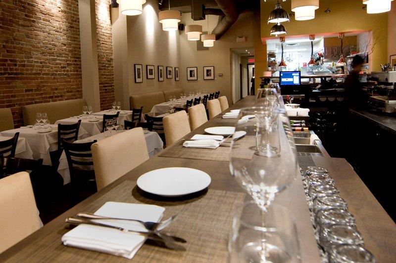 Le restaurant Salute! est nouvellement installé dans les... (Photo Robert Skinner, La Presse)