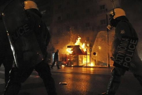 Le ministre de l'Intérieur a déclaré lundi soir que les violentes... (Photo: AP)