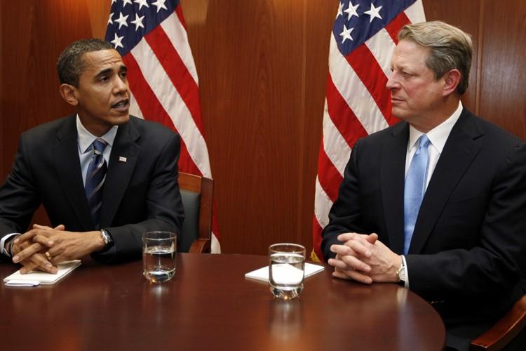 Barack Obama s'est entretenu avec Al Gore mardi.... (Photo: Reuters)