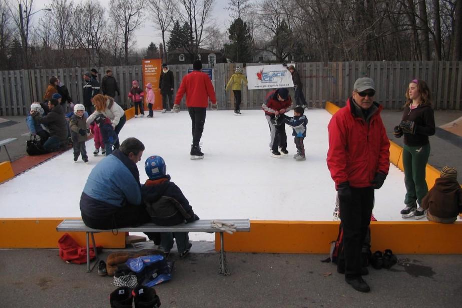 Les patinoires de glace extérieures, un des symboles du Canada, vont-elles...