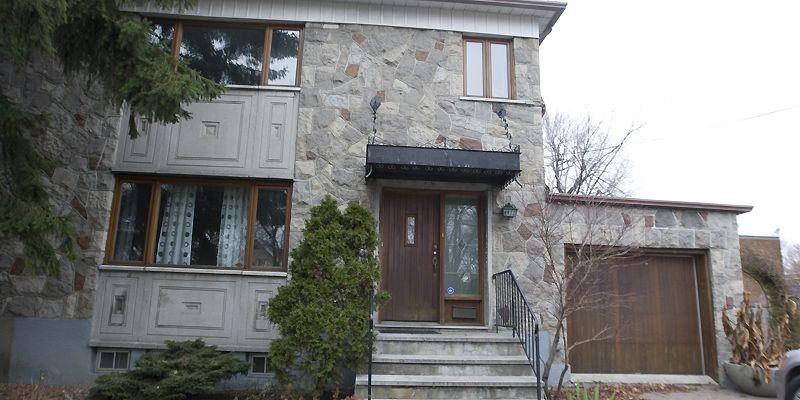 Ce beau cottage de pierre se situe à... (Photo André Pichette, La Presse)