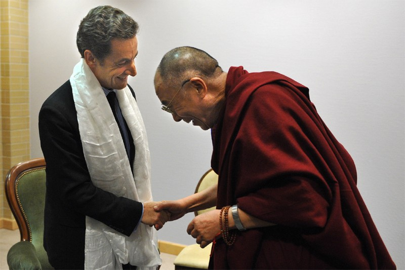 Nicolas Sarkozy et le dalaï-lama à Gdansk... (AFP)