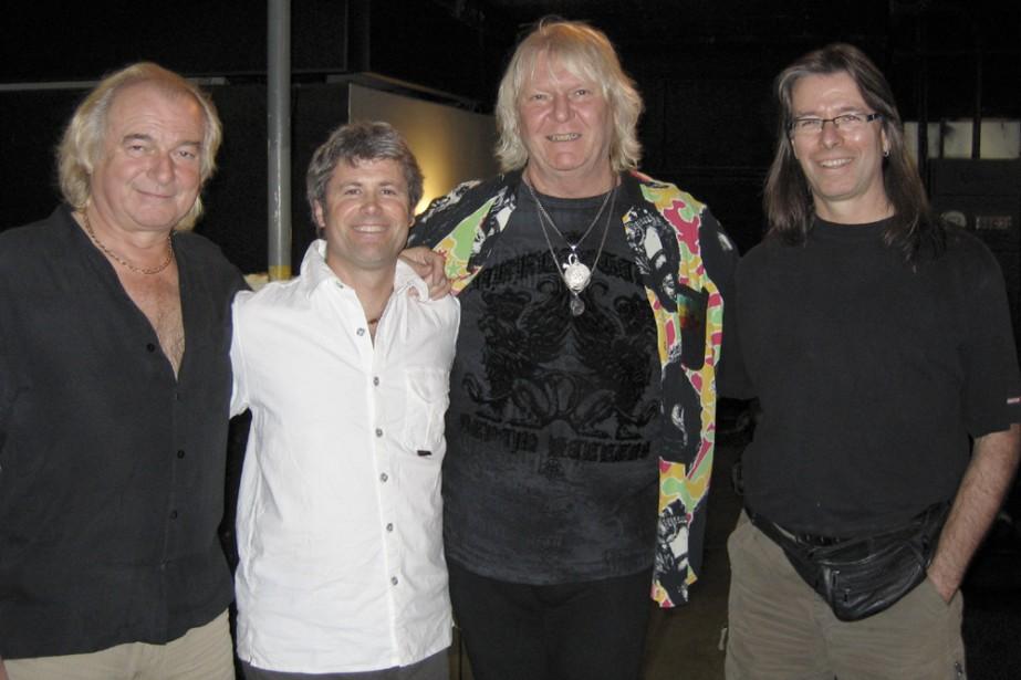 Le chanteur Benoît David (deuxième à gauche), du... (Photo: Richard Lanthier)