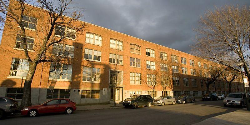 L'habitation est située au 2295, avenue Aird, au... (Photo André Tremblay, La Presse)