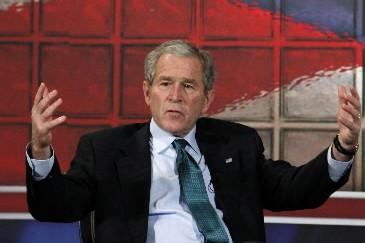 George W. Bush a dit jeudi envisager un discours d'adieux... (Photo: Reuters)
