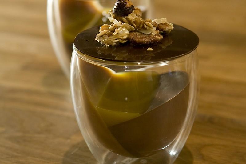 Mousse choco-caramel-passion et croquant noix-avoine-érable... (Photo: André Tremblay, La Presse)
