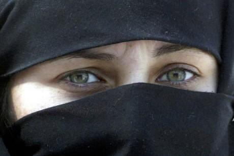 Une femme d'Arabie Saoudite... (Photo: Reuters)