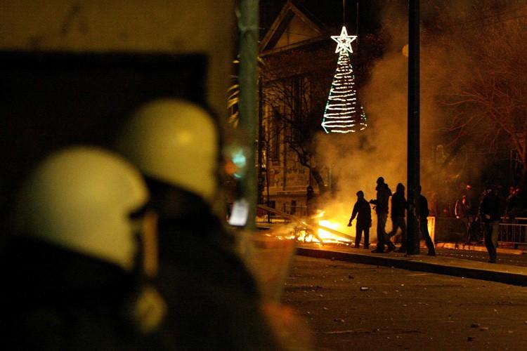Des incidents ont éclaté en Grèce samedi, deux semaines après la... (Photo: AP)