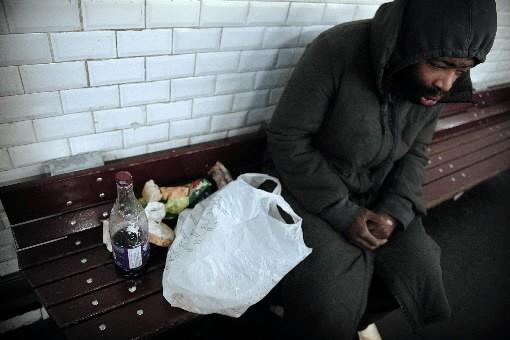 Alors qu'un sans-abri vient de mourir de froid à Montréal, six... (Photo: AFP)
