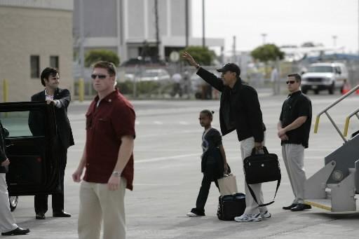 Barack Obama a atterri à l'aéroport d'Honolulu en... (Photo: Reuters)