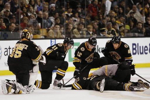 Les Bruins de Boston ont placé le nom de Patrice Bergeron sur la... (Photo: AP)