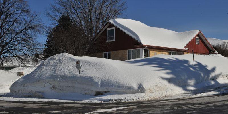 Les chutes de neige de l'an passé et... (Photo Patrice Laroche, Le Soleil)