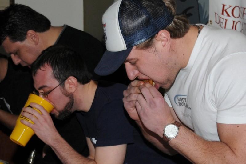 Pete Czerwinski (à l'avant-plan) n'avait jamais mangé de... (Photo: PC)