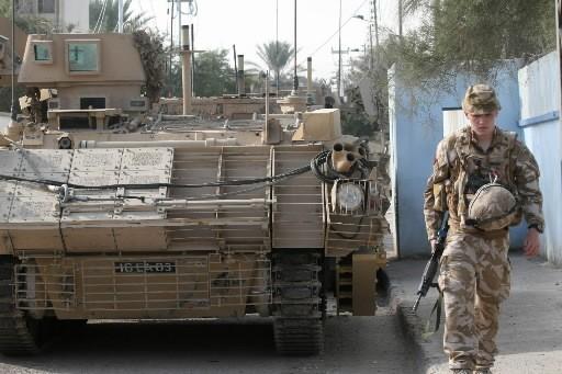 Un soldat britannique à Bassorah... (Photo: AFP)