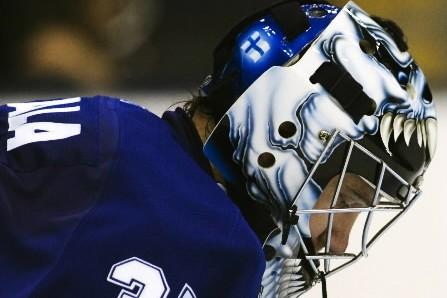 Vesa Toskala lorsqu'il portait l'uniforme des Maple Leafs... (Photo: Reuters)