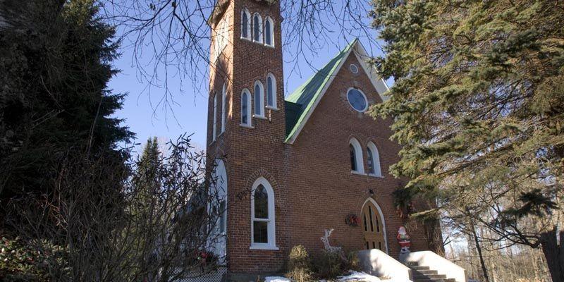 Érigée en 1864, cette église de Fulford dans... (Photo Alain Roberge, La Presse)