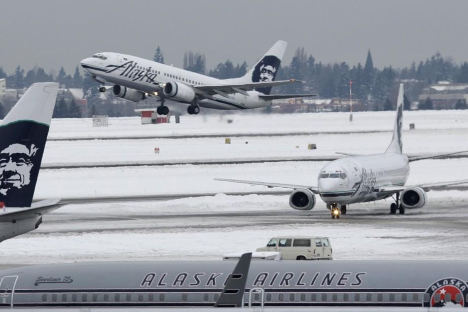 Vingt-trois passagers d'un avion ont été hospitalisés mercredi à... (Photo: AP)