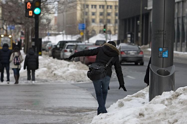 Sur de nombreux trottoirs de la métropole, les... (Photo: François Roy, La Presse)