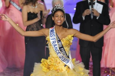 Chloé Mortaud, Miss France 2009... (Photo: AFP)
