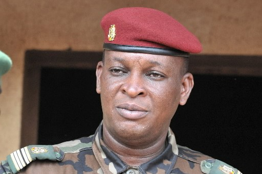 Le capitaine Moussa  Camara... (Photo: AFP)