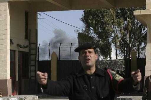 Un policier de la frontière entre l'Égypte et... (Photo: AP)