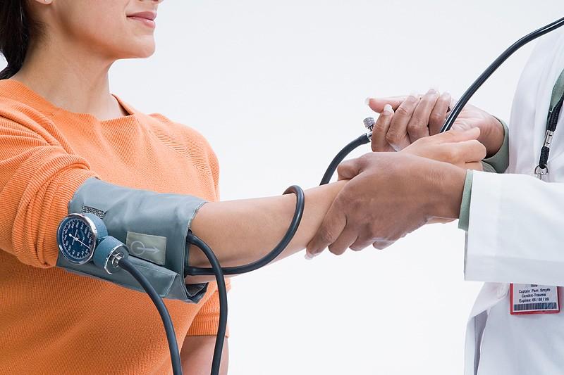 Une nouvelle étude démontre que le nombre de décès et d'hospitalisation liés à...