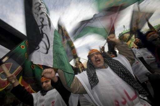Les Iraniens dénoncent les attaques israéliennes qui ont... (Photo: Reuters)