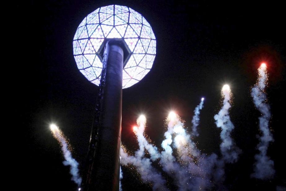 La célèbre boule de cristal de Times Square.... (Photo: AP)