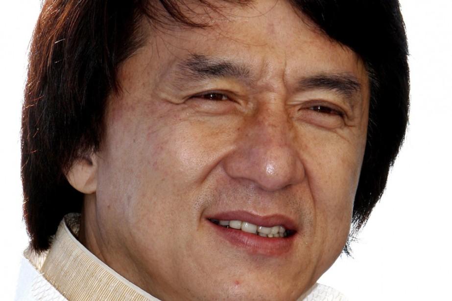 L'acteur Jackie Chan faisait partie des célébrités qui ont recueilli des dons...