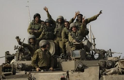 Des soldats israéliens... (Photo: AP)