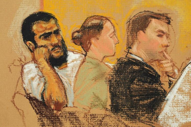 Cette esquisse montre Omar Khadr et ses avocats... (Photo: Reuters)