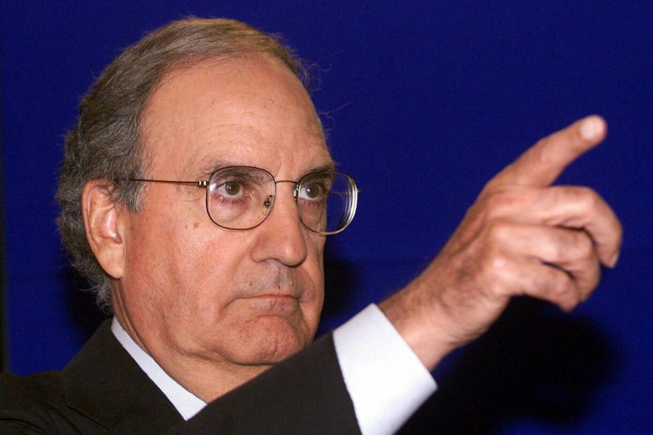George Mitchell... (Photo: Archives AP)