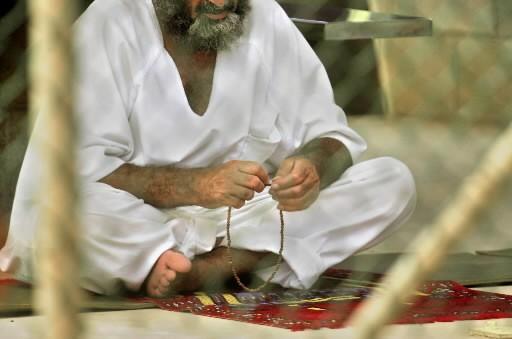 Un homme à la prison de Guantanamo... (Photo: AP)